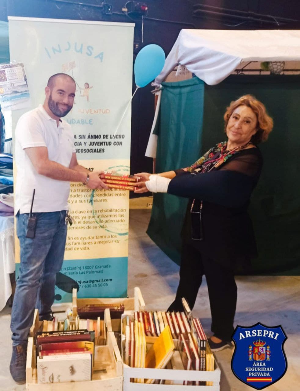 Arsepri Formación donando libros a INJUSA – GRANABIP